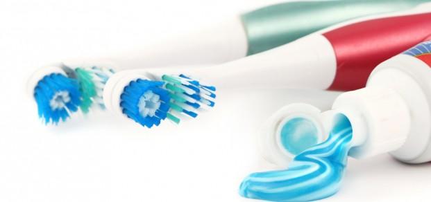 shutterstock_2345735-powered toothbrush