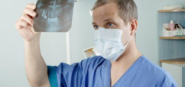 shutterstock_5410882 dentist x-ray