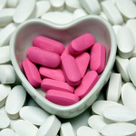 shutterstock_3170494 pills in heart shape