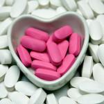 shutterstock_3170494 pills in heart shape