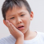 shutterstock_116897095 - Child toothache