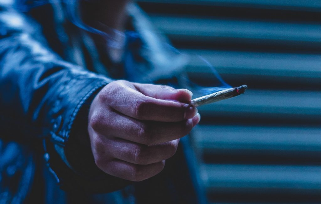 We know both cannabis and tobacco are statistically associated with psychosis, but what is the direction of causality and to what extent are these associations confounded?