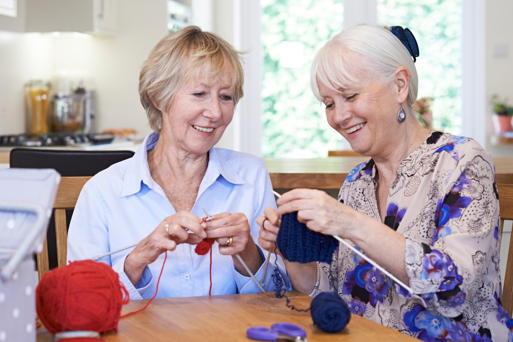 This qualitative study suggests thatknitting is viewed by people who knit as beneficial to mental, emotional and cognitive health,as well as a good way for people to connect.