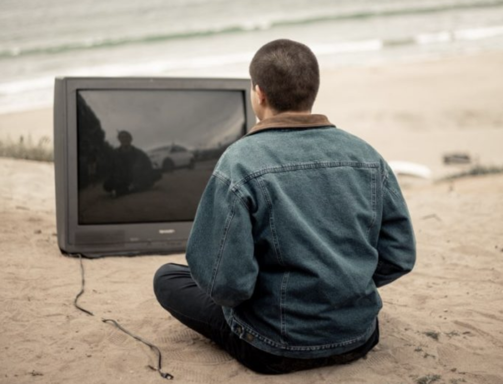 Discussing time spent watching TV with people in their 50s may be beneficial to help prevent cognitive decline.