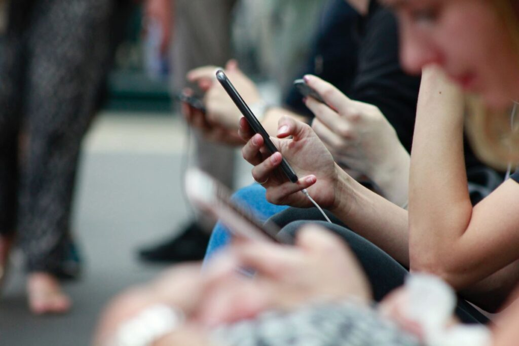 Social media can provide benefits, as well as risks, to young people who self-harm.