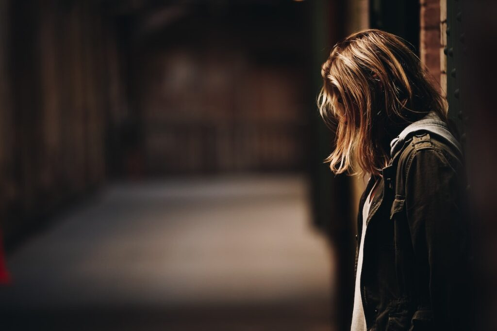Thwarted belongingness, increased fasting, substance use, experiences of bullying, physical assault, and mental health difficulties are all strongly associated with NSSI in bisexual people.