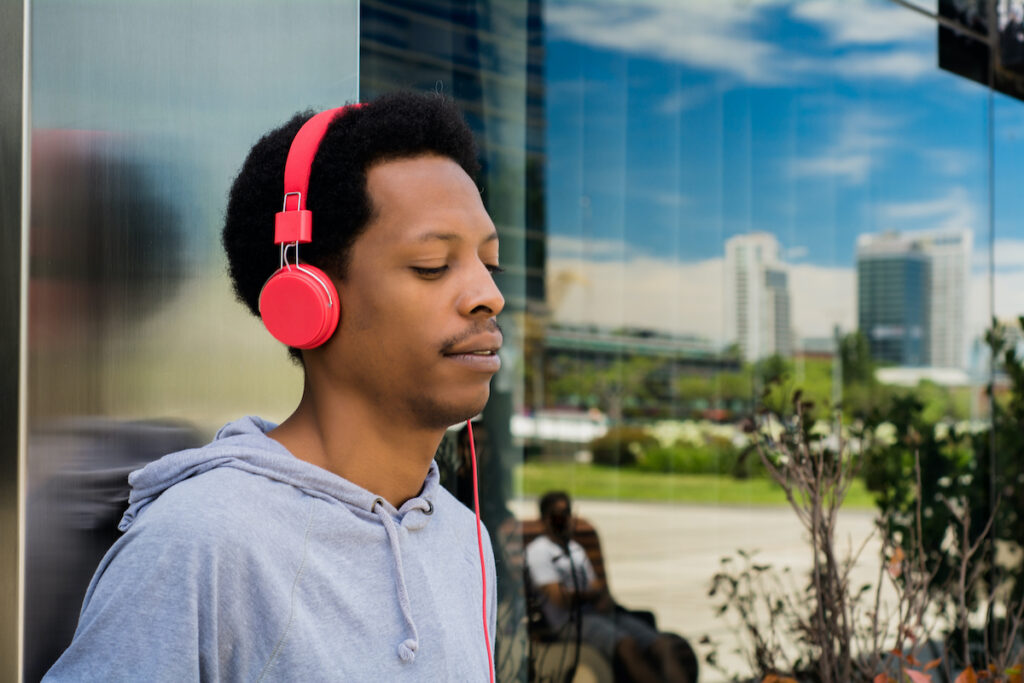 Both music therapy and music medicine reduce depressive symptoms, although music medicine has a larger effect.