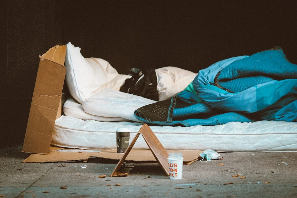 Individuals who were homeless or had a diagnosis of schizophrenia spectrum or bipolar disorder were at highest risk of reincarceration.