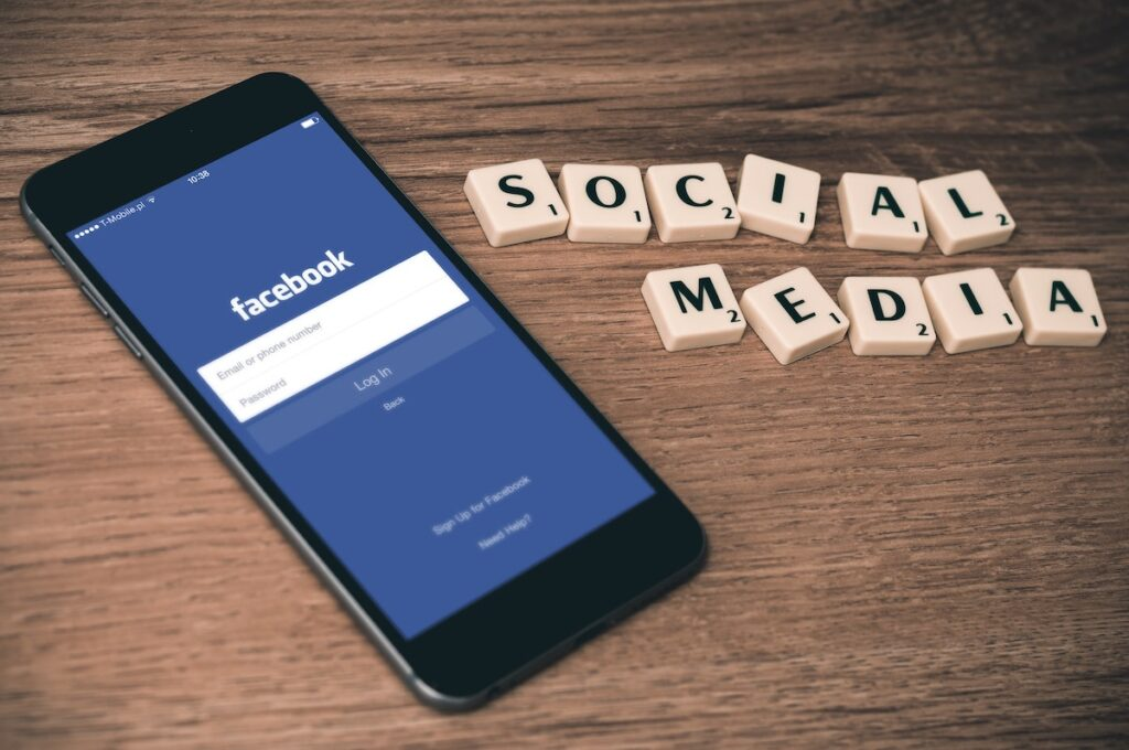 The findings of this study suggested that young people with higher levels of depression tend to post more on Facebook about a range of negative experiences, including life hassles, social relationships, university and work-related issues.