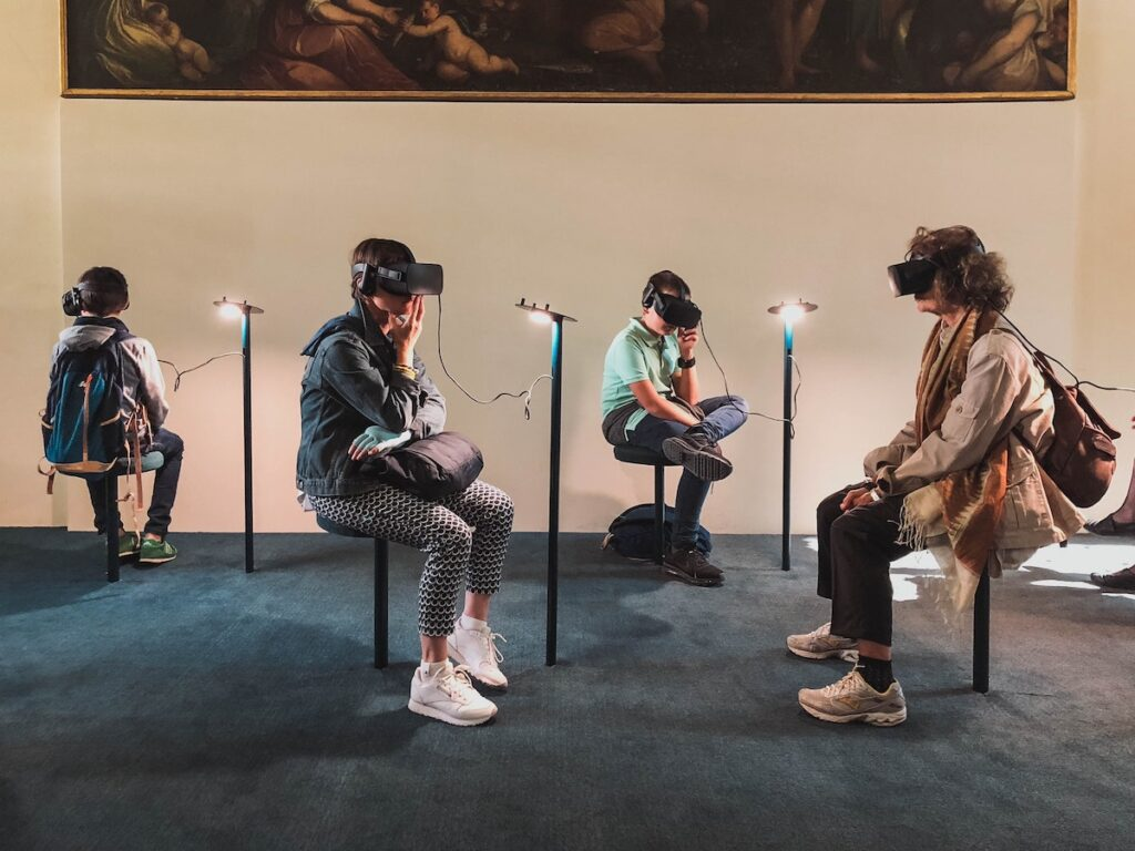 People with psychosis often experience social functioning impairments which can negatively affect their prognosis. This systematic review is the first to assess Virtual Reality-based assessments and treatments for social functioning impairments in psychosis.